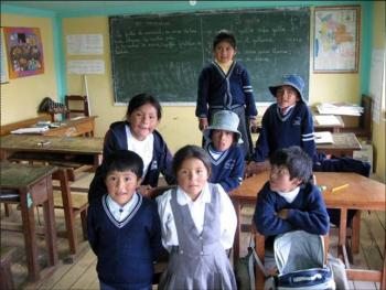 Students at the Manantial Quaker school in Batallas